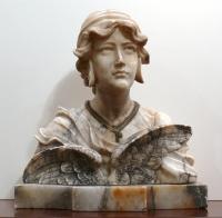 Busto di donna in marmo