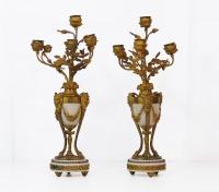 Coppia di candelabri in bronzo e marmo