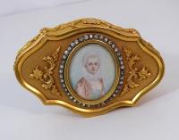 Scatola in bronzo dorato con miniatura